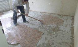 Untergrund - alter PVC im Altbau muss für Holzdielen ausgebaut werden