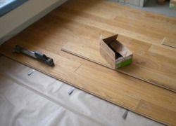Dielenboden mit Bügelverlegung - für schwimmende Verlegung von Holzdielen