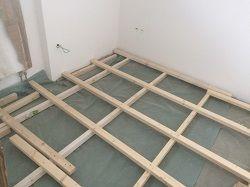 Kreuzlattung für einen Dielenboden