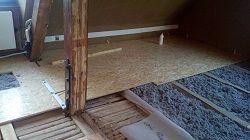 Unterkonstruktion - Trockenestrich aus OSB-Platten für Holzdielen