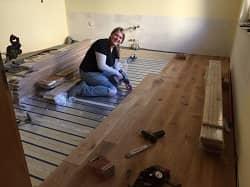 Holzdielen aus Eiche auf Fußbodenheizung